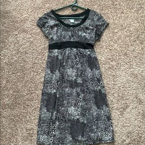 Black and white maternity dress. Size M
